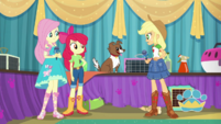 Applejack surprised to see Winona EGDS35