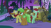 Appleloosa ponies about to eat the food S9E17