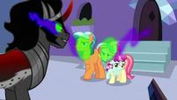 Crystal Ponies under Sombra's magic S9E1