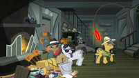 Daring Do pulls the ring out of the fireplace S4E04