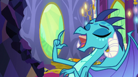 Ember tosses another gem into her mouth S7E15