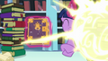 Flurry Heart's teleport flash is seen S6E2.png