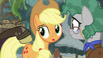 Indiana Jones pony tapping on Applejack S7E25
