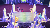 Mane 6 in the castle sans Pinkie S5E11