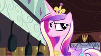 Princess Cadance tasting fritter S2E25