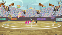 Quibble and Pinkie start the next match set S9E6