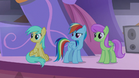 Rainbow Dash, Raindrops, and Merry May S9E17
