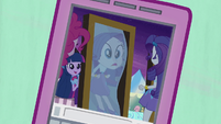 Rarity looking at funhouse mirror EG2