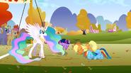 S01E13 Twilight, Applejack i Rainbow kłaniają się księżniczce