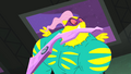 Saddle Rager stops raging S4E06.png