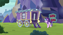Starlight approaching Trixie's wagon S8E19