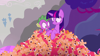 Twilight and Spike see toys S5E26