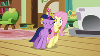 Twilight happy and Fluttershy confused S03E13