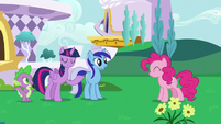 Twilight introduces Pinkie to Minuette S5E12