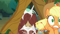 Yona pushes Applejack and Rainbow through S8E9