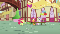 Cutie Mark Crusaders promote their day camp S7E21