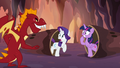 Garble discovers Twilight and Rarity S6E5.png