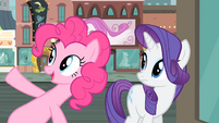 Pinkie pointing at the clock S4E08