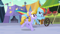 Rainbow Dash follows Amber Waves S3E01.png