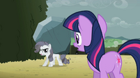 Rarity asking for help S2E01
