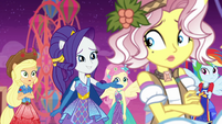 Rarity offers real friendship to Vignette EGROF