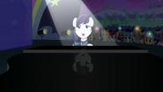 S05E24 Coloratura śpiewa patrząc w górę