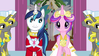 Shining Armor smiling at Cadance S2E26
