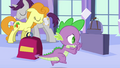 Spike bribes Angel during the chase S03E11.png