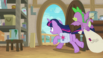 Twilight and Spike leave woodworking class S9E5