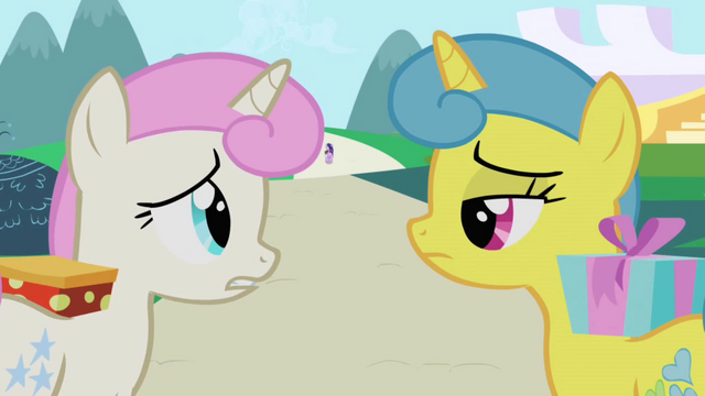 Файл:Twinkleshine and Lemon Hearts disappointed S1E1.png