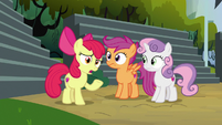 "Apple Bloom ""I must have hay in my ears"" S7E21"