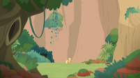 Applejack alone in the mountain valley S8E23