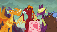 Garble and friends staring at Spike S9E9