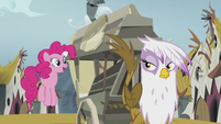 Gilda sees Pinkie hopping beside the carriage S5E8