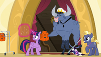 Iron Will takes Twilight Sparkle's life jacket S7E22