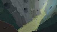 Maud Pie chases rock through the gorge S7E4