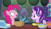 "Pinkie Pie mechanically ""okie-dokie!"" S6E21"