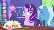 Starlight's pastry bag turns into teacup poodle S7E2