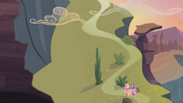 Twilight and Cadance walking towards the top of the hill S4E11