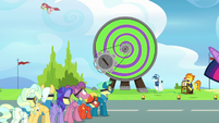 Angel Wings gets launched from the Dizzitron S6E24