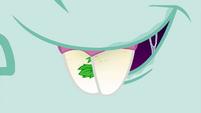 Close-up on Snips' teeth EG4