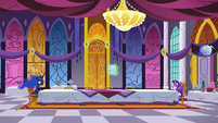 Luna and Starlight in the castle dining hall S7E10