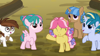 Pipsqueak and foals happy to be at day camp S7E21
