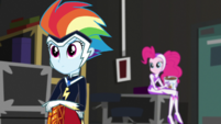 Rainbow and Pinkie Pie listening to Twilight EGS2