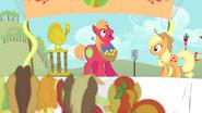 S04E14 Big Mac na konkusie gulgotania