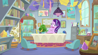 Starlight awkwardly clearing her throat S9E20