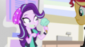 Starlight notices her ice cream one scoop shorter EGS3.png