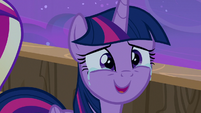Twilight Sparkle moved to tears by the gesture S7E22