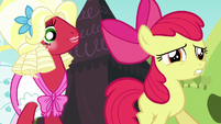 Apple Bloom nervously walks to the stage S5E17