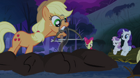 Applejack starting the fire S3E06